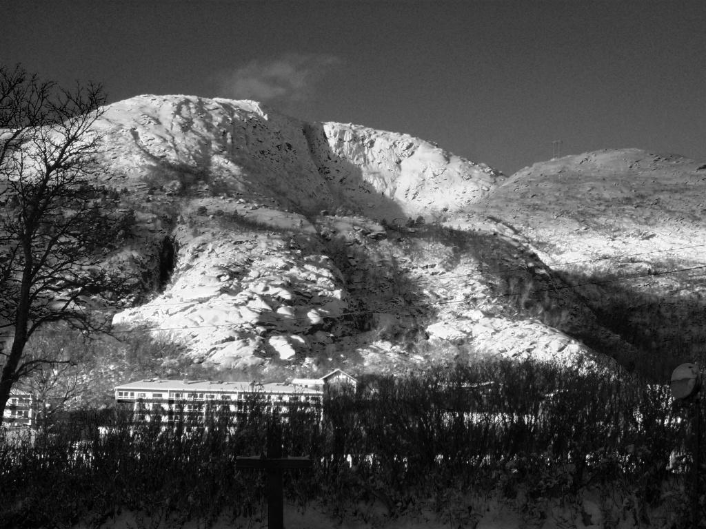 Lødimgen Mountain